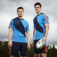 VIDEO: Watch as Brian O'Driscoll and Jonny Sexton try their hand at soccer and GAA