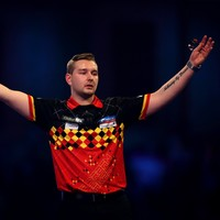 100/1 tournament outsider Van Den Bergh bests Anderson to take World Matchplay title