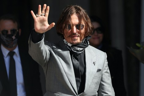 Johnny Depp was greeted with cheers when he arrived at the Royal Courts of Justice for the final day of his libel action against The Sun newspaper