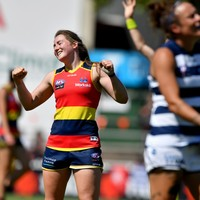 Clare star Considine signs new deal with 2019 AFLW champions Adelaide Crows
