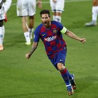 Lionel Messi brilliance helps Barcelona into Champions League last 8