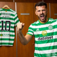 'He's a tremendous player' - Celtic sign Swiss striker from West Ham