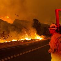 Huge wildfire near Los Angeles prompts evacuations