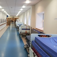 'We're sleepwalking back to mass overcrowding': 221 patients on trolleys in Irish hospitals