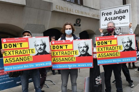 'Don't Extradite Assange' protesters outside the Old Bailey in London.