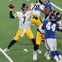 Roethlisberger tosses three touchdowns as Steelers topple Giants