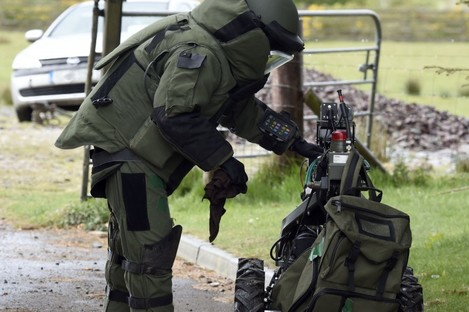 File image of the Army Bomb Disposal Team on a training exercise.