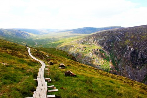 A hiking trail in the valley of Glendalough.