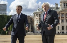 Boris Johnson holds last-minute Brexit talks with Macron