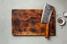No stains, no cracks, no warping: How to properly clean a wooden chopping board