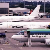Ryanair makes €694 million bid for Aer Lingus
