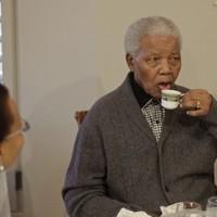 Divided South Africa honours Nelson Mandela's 94th birthday