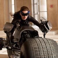 Dark Knight Rises: Film site closes comments after death threats to critics