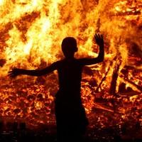 Robinson slams burning of Polish flags on Belfast bonfires