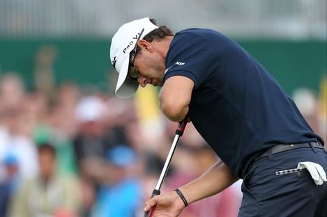 Adam Scott losing his grip on The Open Championship.