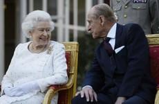Queen Elizabeth and Prince Philip receive Covid-19 vaccinations