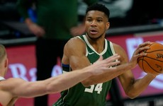 Giannis Antetokounmpo shakes off free-throw struggles to lead Bucks over Mavs