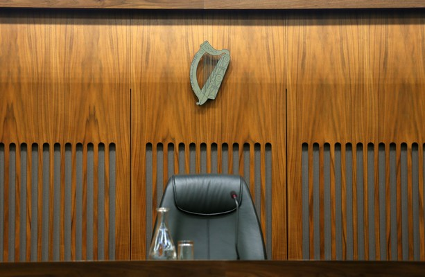 Man who held judge up with fake pistol and hoax bomb jailed for six years - TheJournal.ie