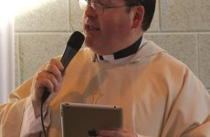 Growing number of 'iPRIESTS' now using ipads on altar