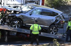 Police execute search warrant for 'black box' of Tiger Woods' crashed car