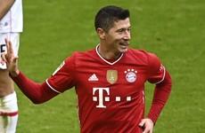 Lewandowski grabs a hat-trick as Bayern defy early red card to thrash Stuttgart