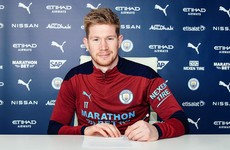 Kevin De Bruyne signs contract extension to stay at Manchester City until 2025