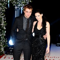 Dogfight! The 6 weirdest stories about the Kristen-and-Robert affair