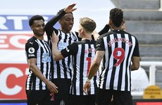 Willock scores late winner as Newcastle dent 10-man West Ham's top-four hopes