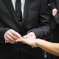 Irish start-up buys UK wedding business