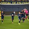 Pepe away goal gives 10-man Arsenal hope in narrow defeat to Villarreal