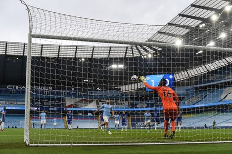 Sergio Aguero's penalty is saved.