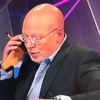 VIDEO: RTÉ's kayak expert takes a call from team manager live on air