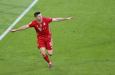 Record-hunting Lewandowski leaves training early