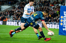 Highlanders stay in finals hunt with nine-try Waratahs rout