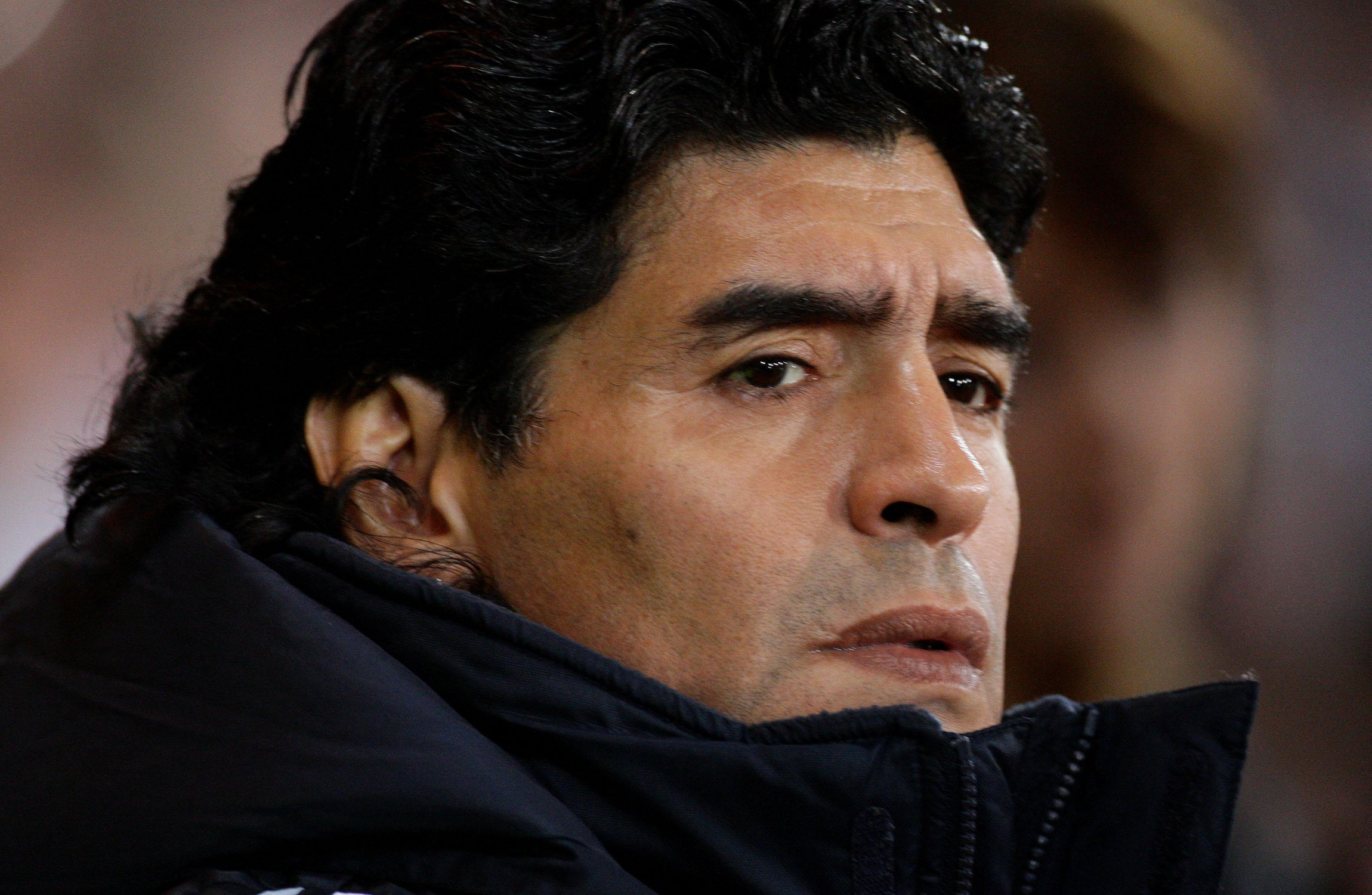 Maradona's doctor and six other caregivers to be questioned over death