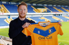 Ex-Ireland international signs permanently for League Two club Mansfield Town
