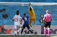 Goalkeeping howler helps 5-star Spain reach last 16