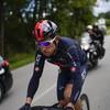 Geraint Thomas dislocates shoulder in Tour de France fall