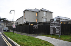 Protestors call on Minister to reopen Bantry Hospital for new admissions