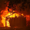 Deadly California wildfire 'could take two weeks to extinguish'