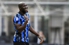 Lukaku in London to complete €115m transfer back to Chelsea