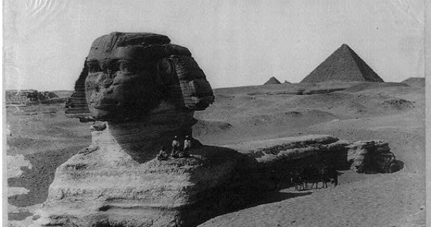 In photos: Archive tourist snaps from Egypt