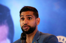 Amir Khan claims US police escorted him off flight for 'no reason'