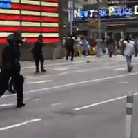 Police shoot dead a man near Times Square in NYC