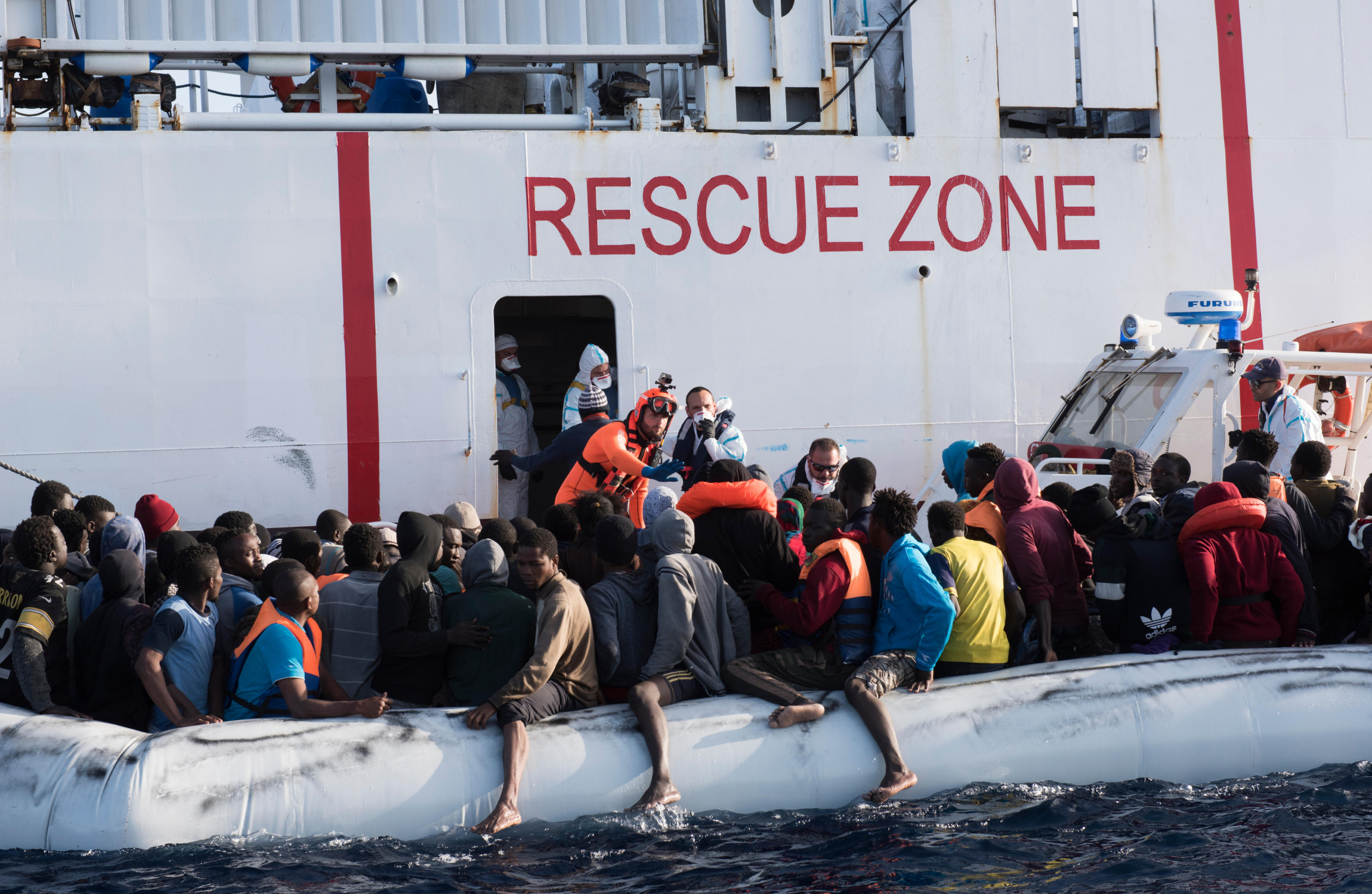 Pope urges governments to cease returning migrants to detention centres in Libya