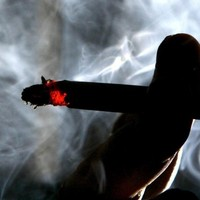 'Alarming' results show women starting to smoke younger - research