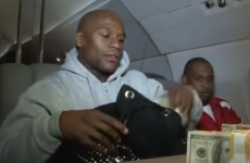 Floyd Mayweather out-Mayweathers himself - by counting out $1m for the world to see