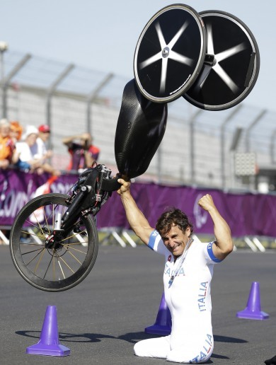 The best Paralympic picture you'll see today: Alex Zanardi celebrates hand-cycling gold