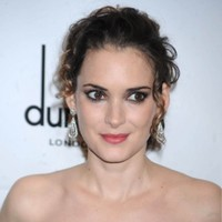"Mel Gibson called me an ""oven dodger"", says Winona Ryder"