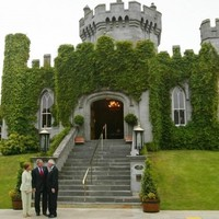 Court refuses to give Dromoland paintings back to Lord